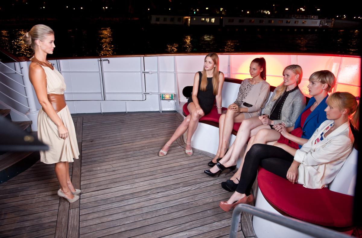 "Joanna Krupa i uczestniczki ""Top Model"""